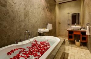 The Residence Seminyak - Villa Siam - Bathroom two