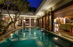 The Residence Seminyak - Villa Siam - Pool view to bedroom and living
