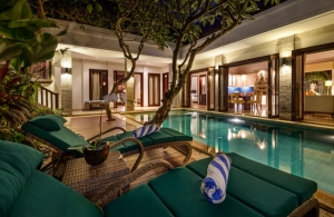 The Residence Seminyak - Villa Siam - Pool deck