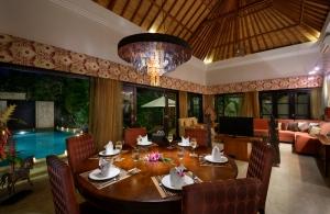 The Residence Seminyak - Villa Amman - Dining setup