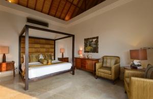 The Residence Seminyak - Villa Amman - Upstair bedroom