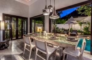 The Residence Seminyak - Villa Jepun - Dining table