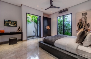 the-residence-villas-seminyak-villa-jepun-bedroom-3