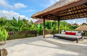 The Residence Seminyak - Villa Menari - Balcony