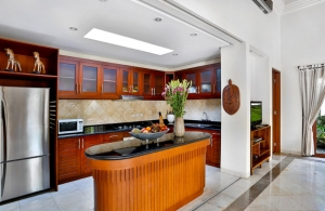 The Residence Seminyak - Villa Shanti - Kitchen
