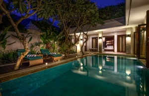 The Residence Seminyak - Villa Siam - Pool at night